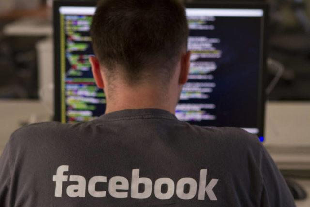 Facebook社は暴力を助長するフェイクニュースを削除