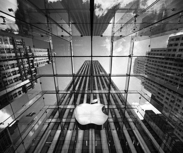 AppleがVRで「現実の物体とぶつからない」特許